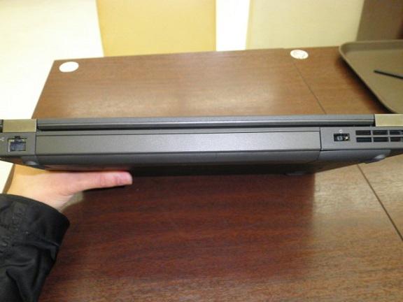 「ThinkPad T440p」後ろ