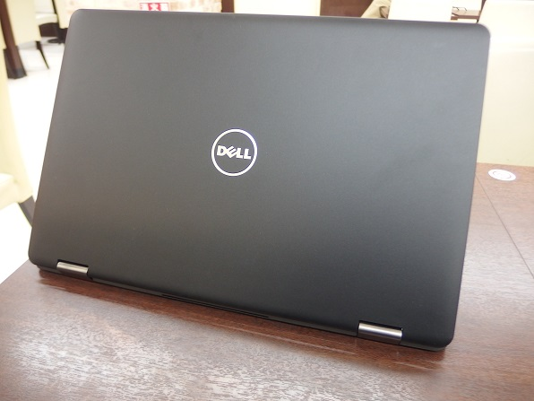 Inspiron-15-7000-2in1-notepc-top