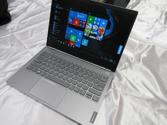 20b36e23a4 「ThinkBook 13s」は13.3型フルHDノングレア(非光沢)IPS液晶搭載のモバイルノートパソコンです。(上の写真は英字キーボードになってますが、購入時のモデルは日本語  ...